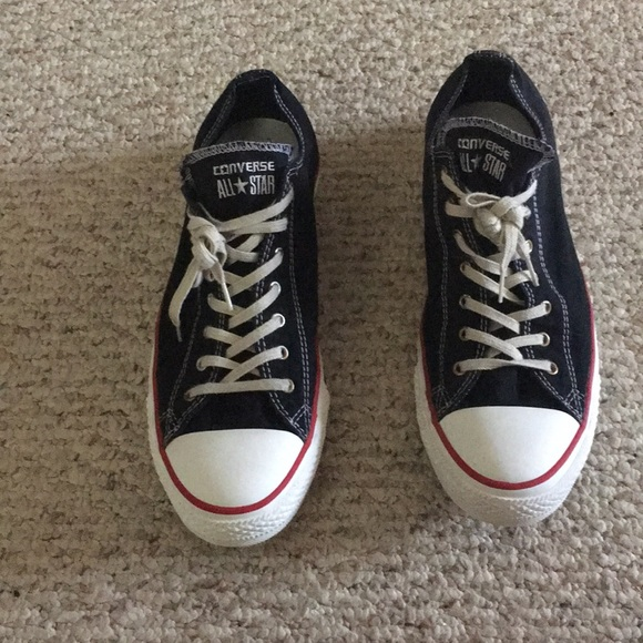 c853a4d53878 Converse all star size 10 men  12 women